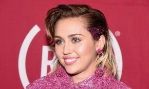 Miley Cyrus planea dar marihuana en suboda