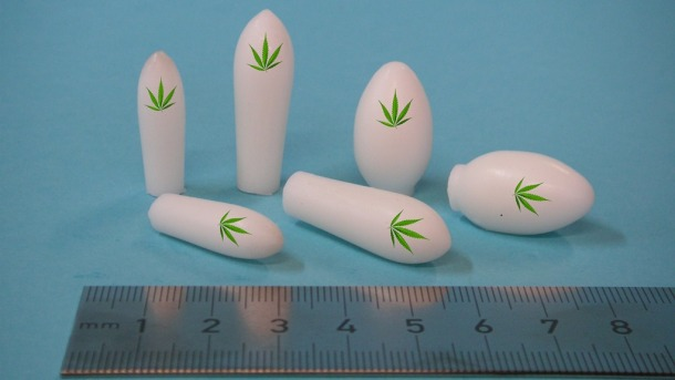 Suppositories_three_different_sizes_2.jpg